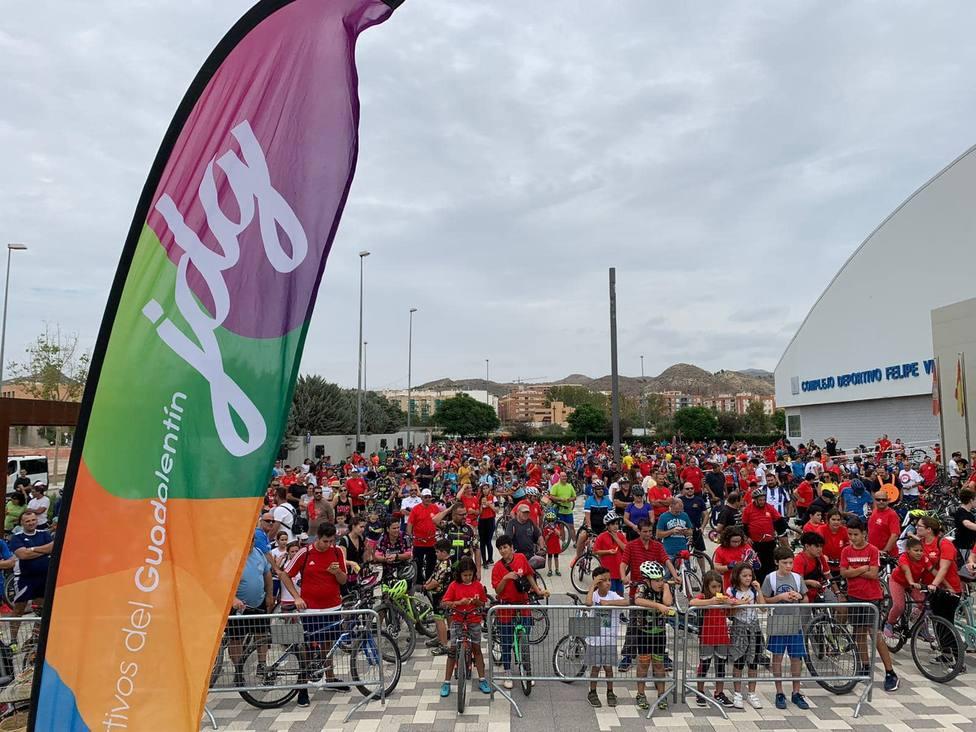 Más de 1300 personas participan y disfrutan del ciclo -paseo de losJuegos Deportivos del Guadalentín