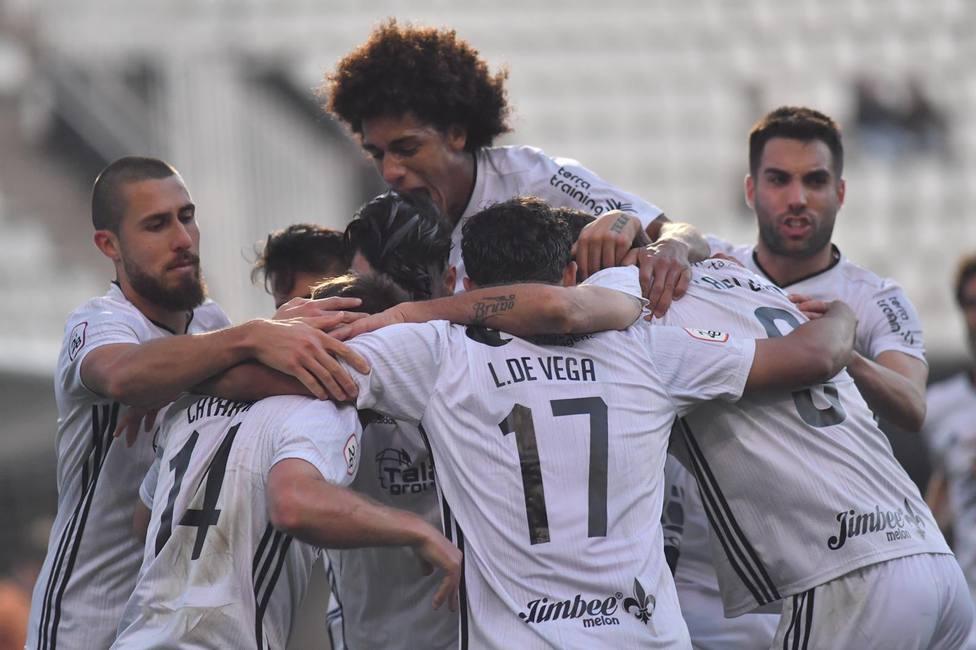 Vinicius Tanque hace tendencia nacional la victoria del Efesé ante La Balona
