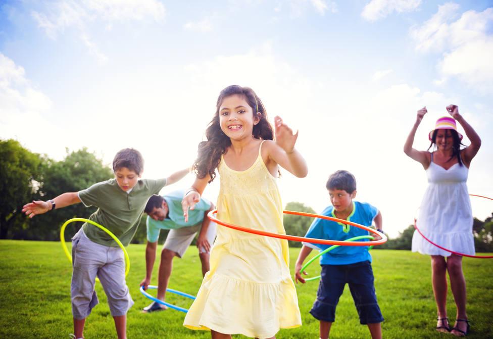 Juegos para el aislamiento: el Hula Hoop - Juegos tradicionales - COPE