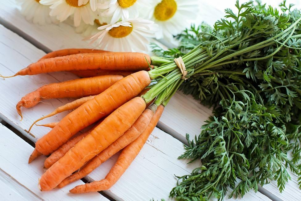 Los motivos por los que la zanahoria debe ser tu aliado infalible este verano