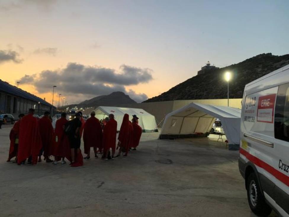 Una quinta patera con 12 migrantes eleva a 53 la cifra de los llegados a Murcia