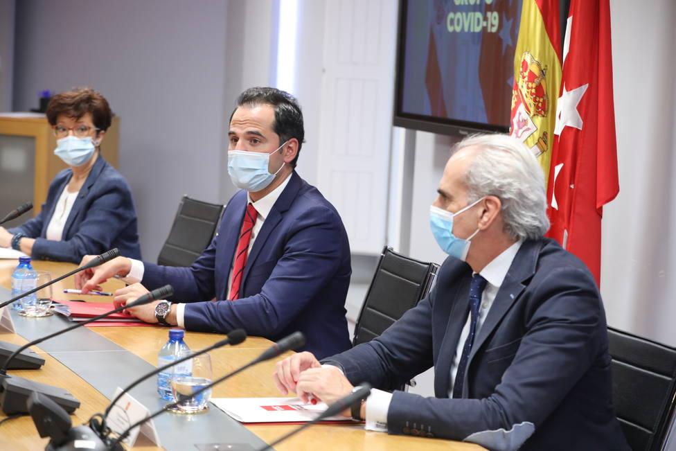 Escudero critica que Sanidad no incorpore los test de antígenos a los datos oficiales