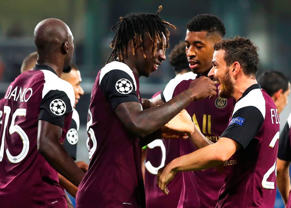 El PSG celebra la victoria en Estambul (EFE)