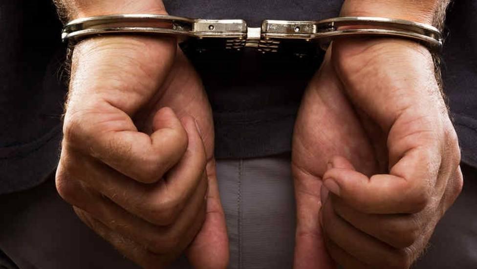Detenido por amenazar a su exmujer delante de su hijo menor de edad
