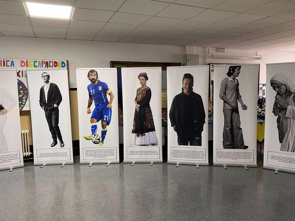 Granada.- Acercan a los jóvenes de Huétor Tájar la figura de gitanos célebres como Elvis Presley