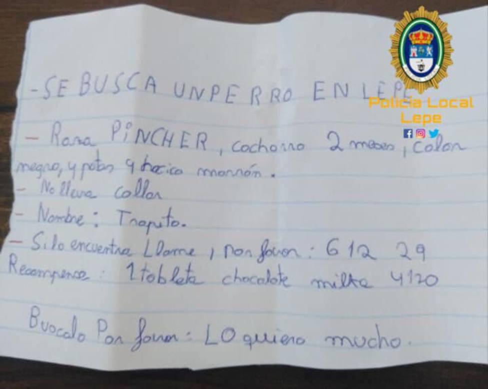 Una niña ofrece como recompensa una tableta de chocolate a quien encuentre a su perro perdido en Lepe (Huelva)