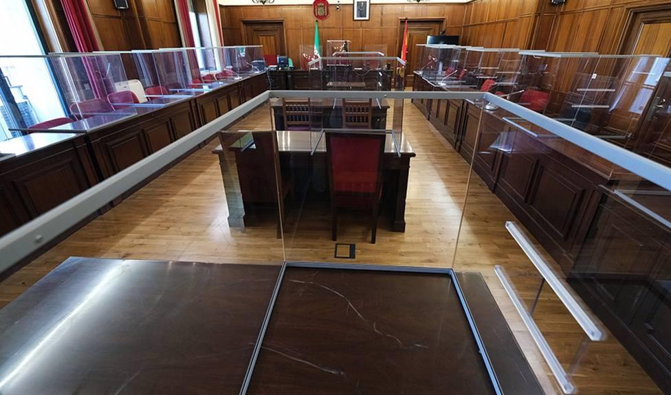 Granada.- Tribunales.- Constituyen este lunes el jurado para un juicio por asesinato por una deuda de cinco euros