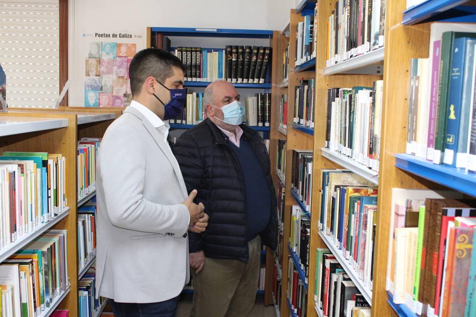 Visita a la biblioteca de Avión