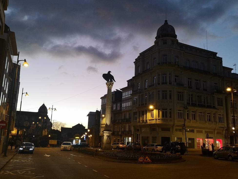 Praza de Santo Domingo al anochecer
