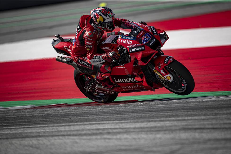 Miller, Oncu y Gardner dominan la primera toma de contacto en MotorLand Aragón