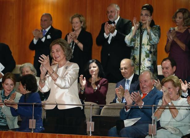 La reina Sofía disfruta de un recital en su 80 cumpleaños con don Juan Carlos