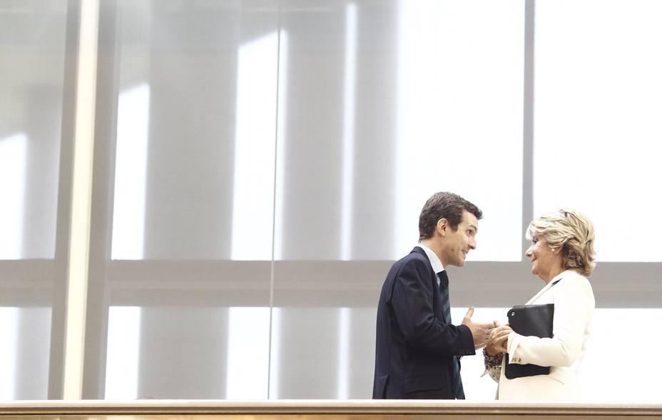 Aguirre dice que se siente identificada con Casado y subraya que el resultado en Andalucía es gracias a él