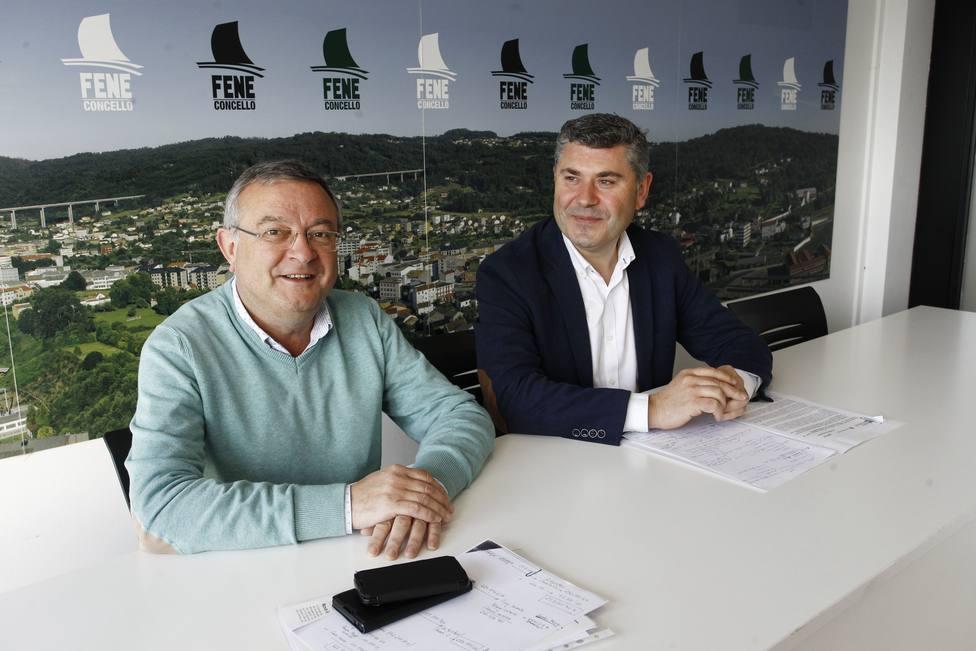 Gumersindo Galego y Ovidio Rodeiro en el Ayuntamiento de Fene