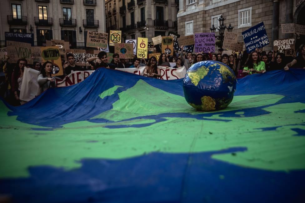 Jóvenes españoles convocan concentraciones en 43 ciudades para secundar la huelga mundial por el clima del 15 de marzo