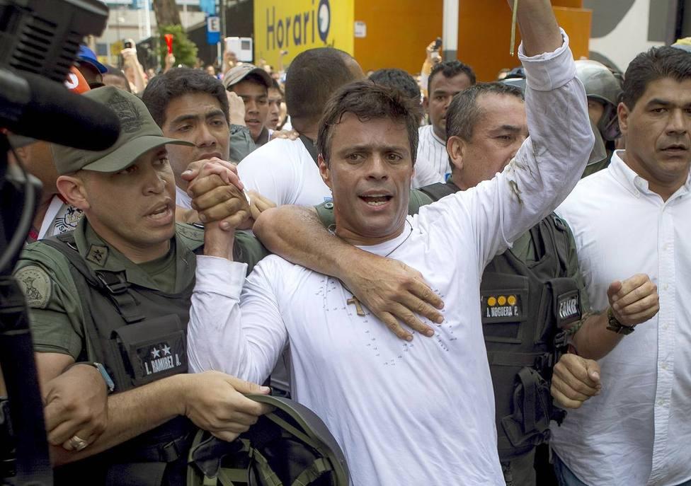 Liberado el opositor venezolano Leopoldo López por militares fieles a Guaidó
