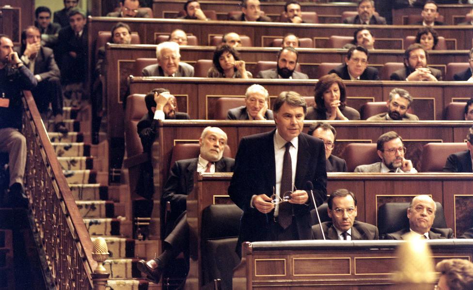 El día en el que el PNV convenció al PSOE para que la violencia fuera necesaria para la rebelión