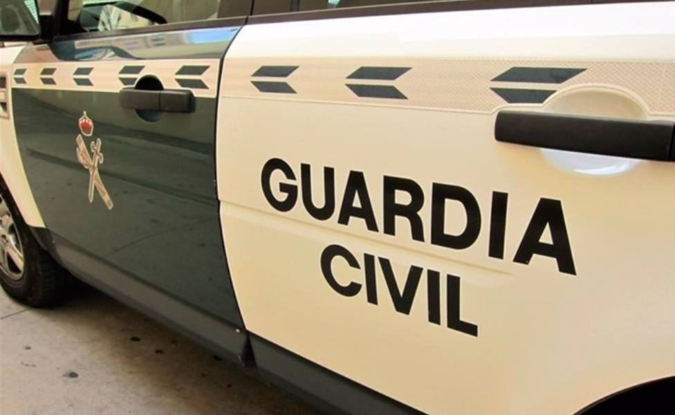 COCHE GUARDIA CIVIL TRAFICO