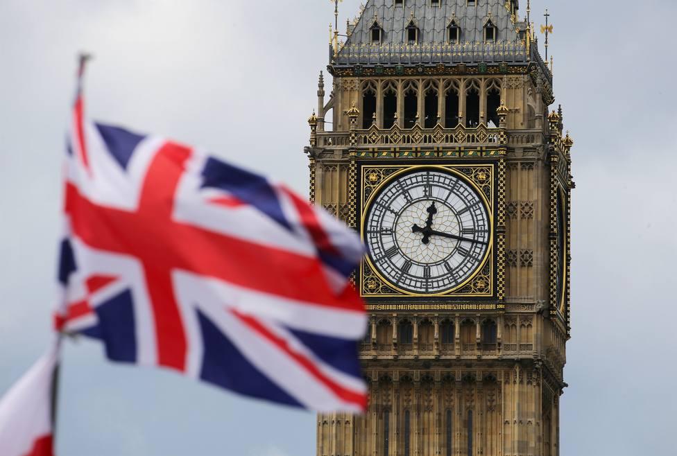 Reino Unido suma una cifra récord de 115 muertes en un solo día y supera los 500 fallecidos por coronavirus