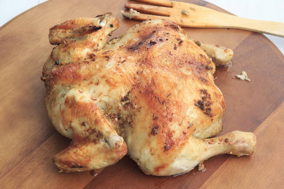 El secreto que desconoces al hacer pollo asado y que te puede convertir en un maestro de la cocina