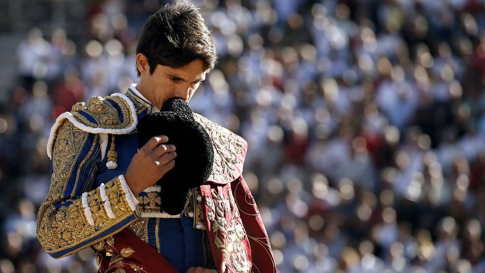 Sebastián Castella durante un paseíllo en la plaza de toros de Beziers