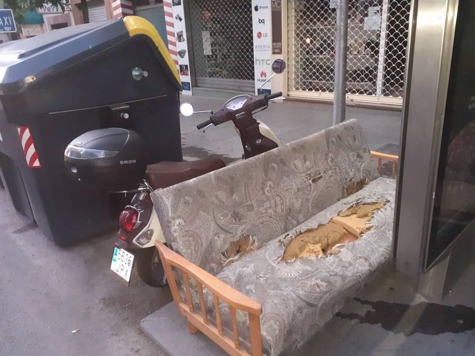 Restos de enseres en Jaén