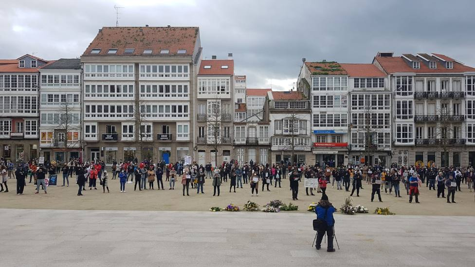 Unas 500 personas se concentraron en la plaza de Armas reclamando ayudas para el sector