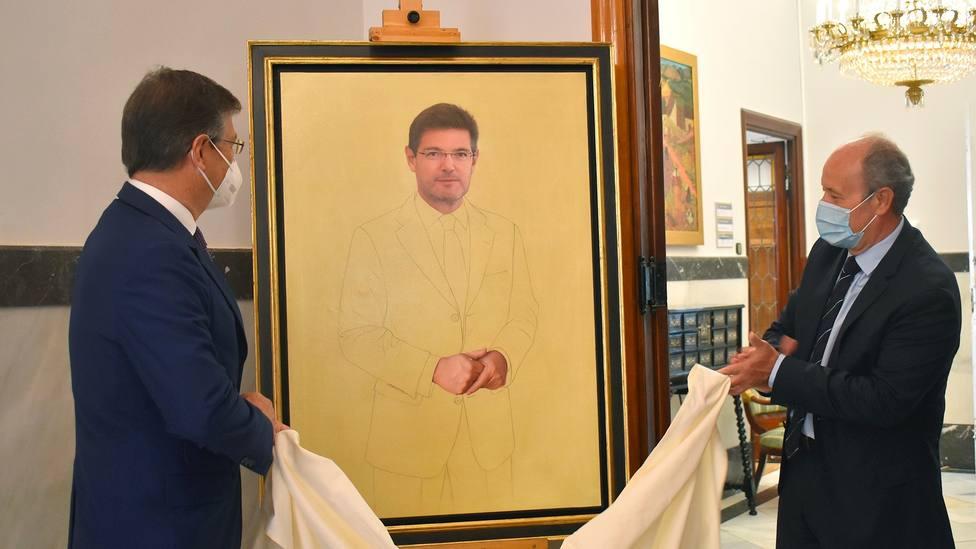 El Gobierno paga 14.995 euros más IVA a un pintor por este cuadro de Rafael Catalá