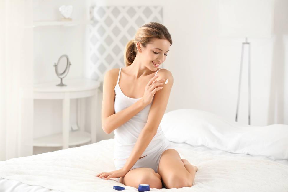 Así debes ponerte las cremas corporales anti celulitis y flacidez para que verdad sean efectivas