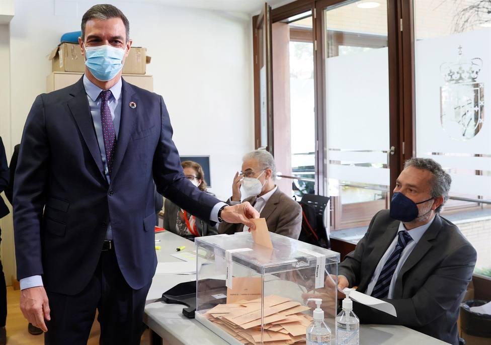 Sánchez admite errores de estrategia en Madrid y culpa al cansancio por la pandemia del resultado