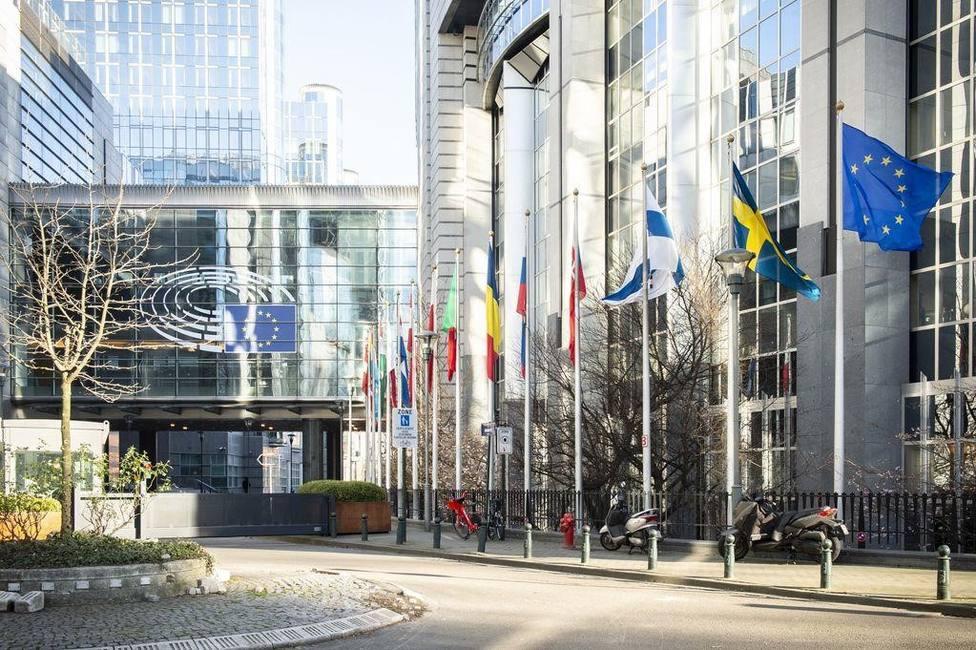 La mascarilla dejará de ser obligatoria al aire libre en Bruselas a partir del miércoles