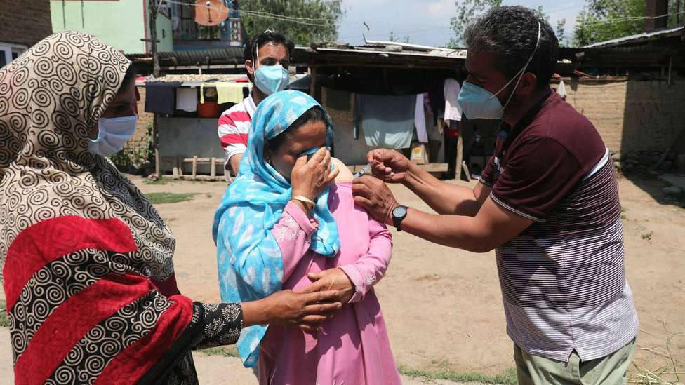 Al menos 18 muertos en el incendio de una fábrica de productos químicos en India