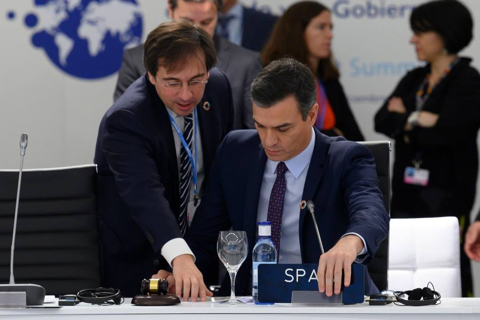 Sánchez rebaja el rango de su asesoría diplomática en Moncloa, que controlará Iván Redondo, tras la salida de Albares