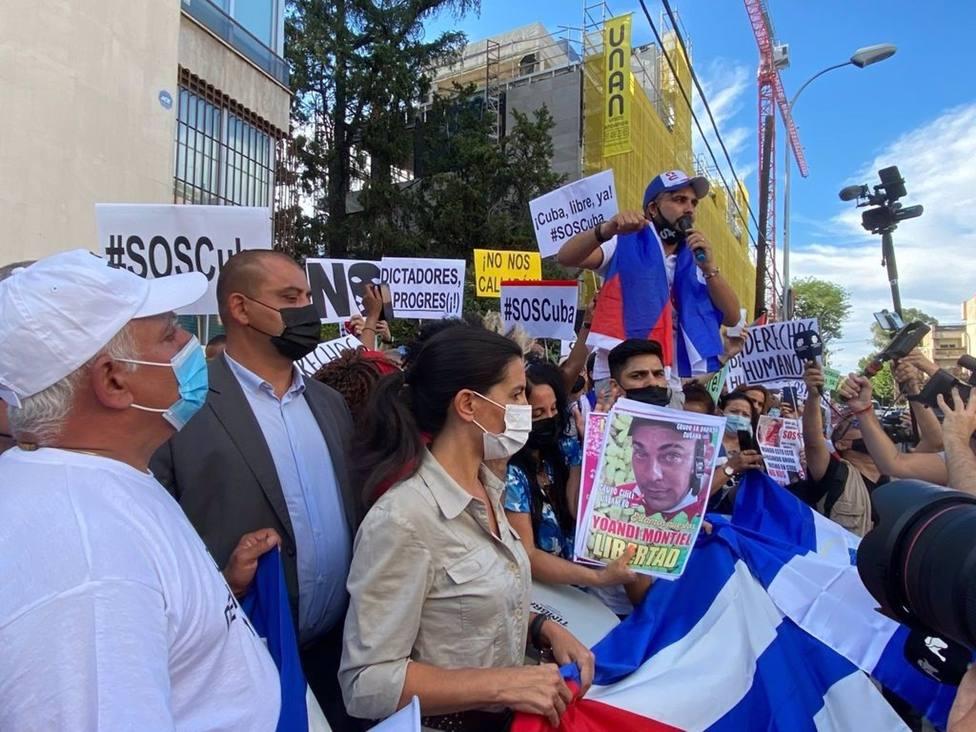 400 manifestantes se concentran en Madrid por la situación que atraviesa Cuba