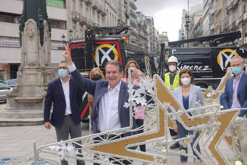 Almeida critica el exhibicionismo del alcalde de Vigo por las luces de Navidad