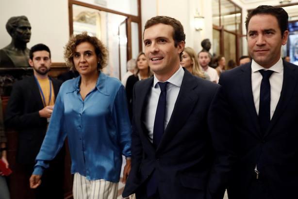 Tenso primer cara a cara de Sánchez con Casado en el Congreso