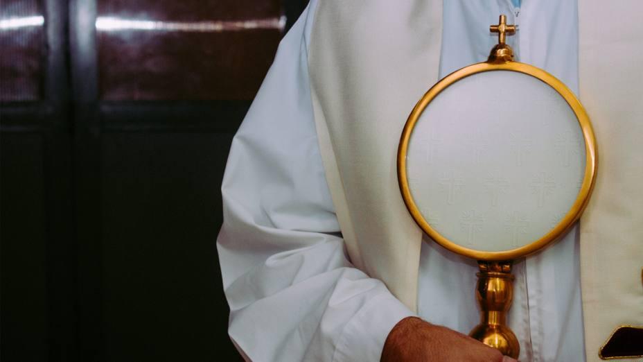 Para ser sacerdote en China, tuvo que fomarse fuera para llevar a Cristo a su país