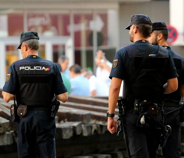 Unos 2.000 policías se desplegarán en el River-Boca en un dispositivo supeditado a la llegada de ultras a Madrid