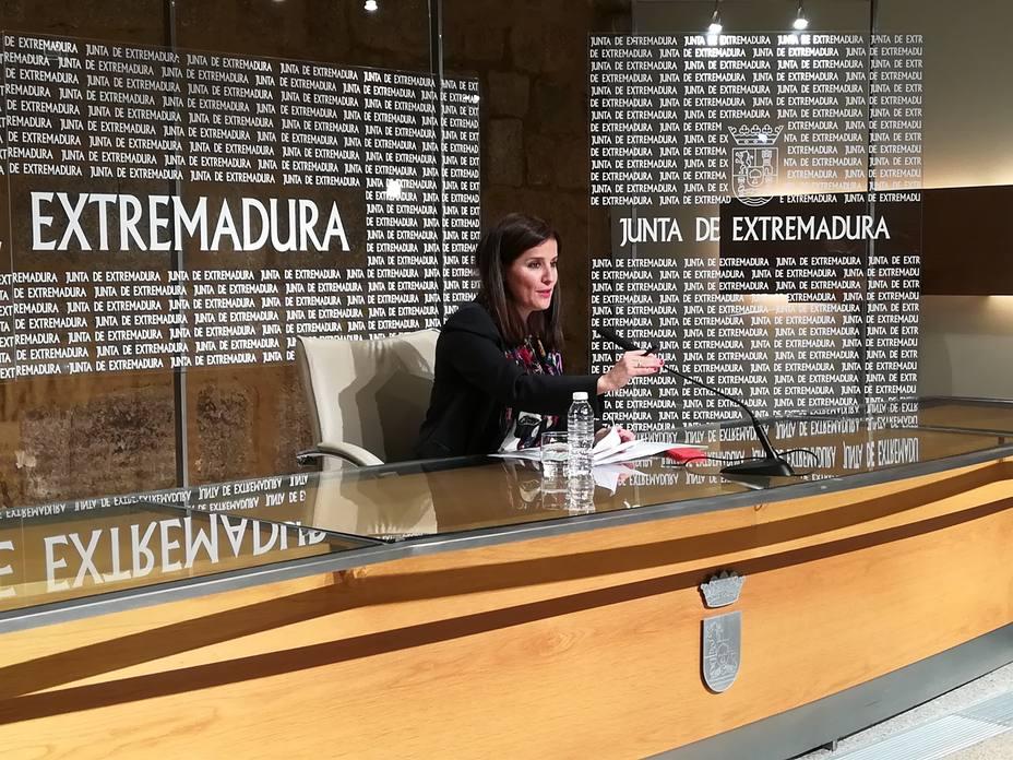 La Junta de Extremadura envía su reconocimiento a Susana Díaz y recuerda que el PSOE ha sido el más votado