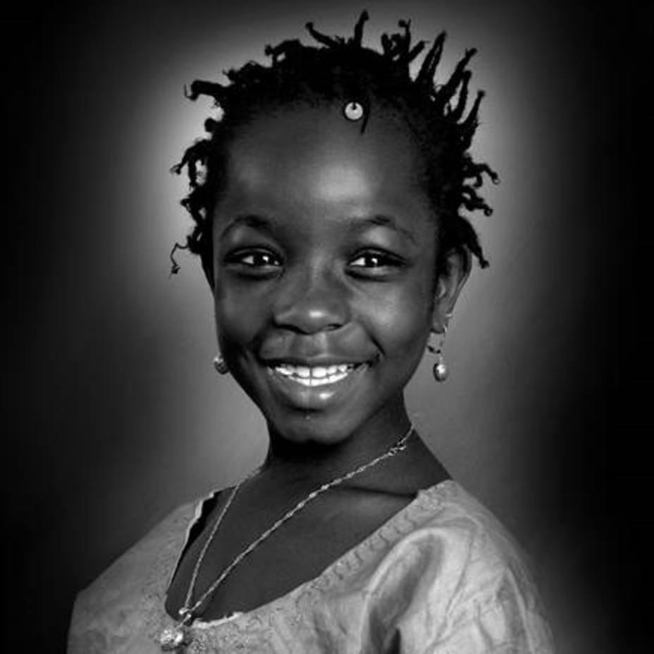 Sonrisa, la foto de una niña africana en Soria, primer premio del concurso Africanas en España