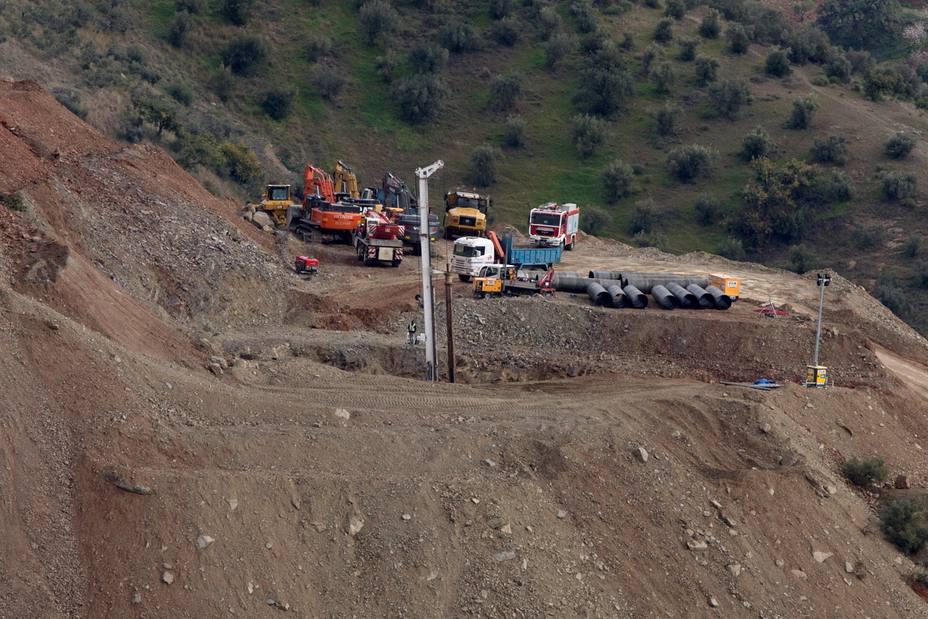 Perforados 40 de los 60 metros del túnel vertical para rescatar a Julen