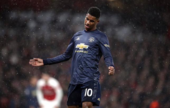 El United, eliminado en cuartos de la FA Cup mientras el City pasa a semis con una polémica remontada