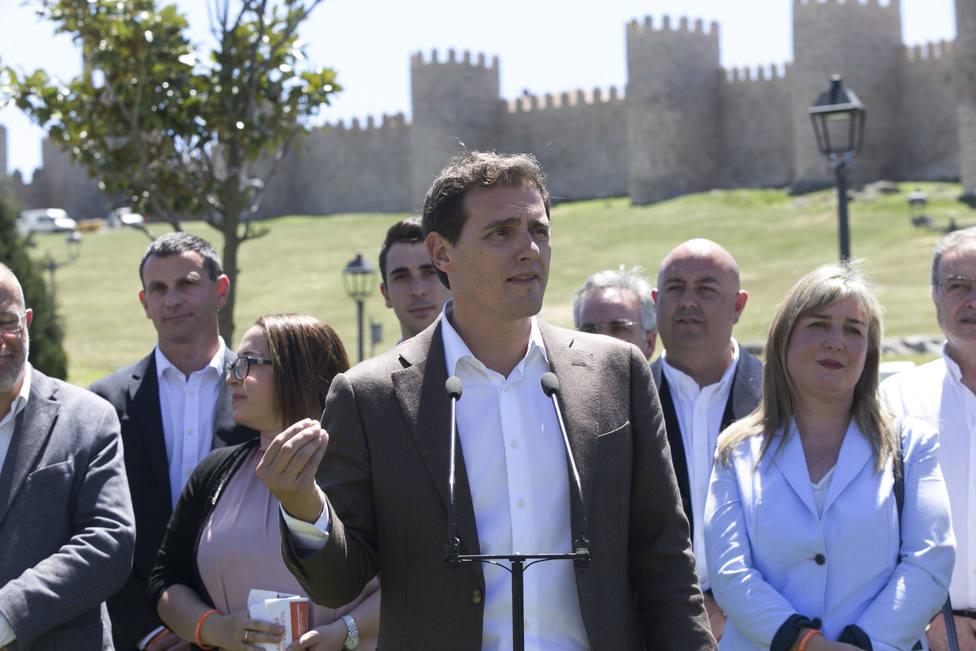 Rivera pide al Gobierno que aclare a la oposición por qué retiró la fragata española del grupo de combate de EEUU