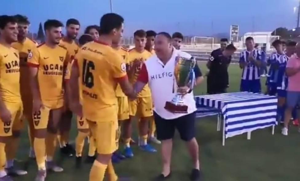 El UCAM Murcia se lleva el trofeo Manny Pelegrín