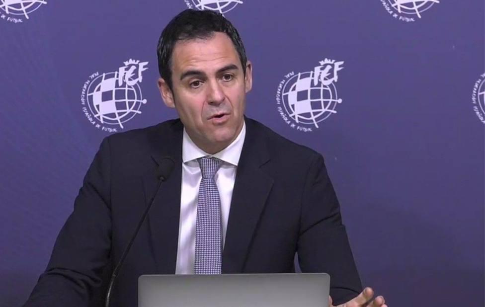 Carlos Velasco Carballo en rueda de prensa