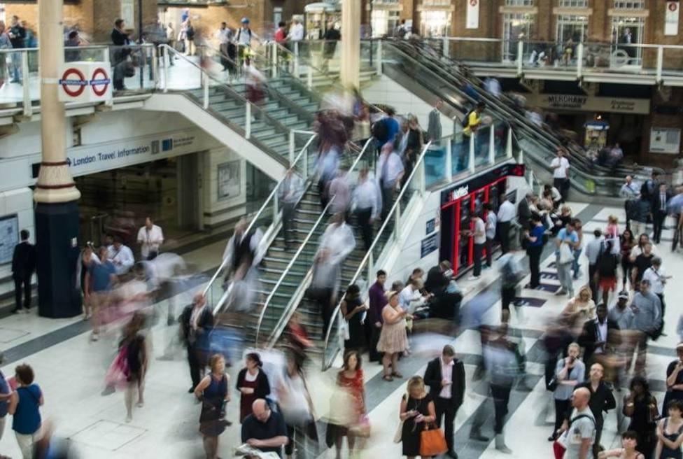 Un estudio liderado por el CSIC analiza la movilidad de las personas en las ciudades como si fuera un campo gravitatorio