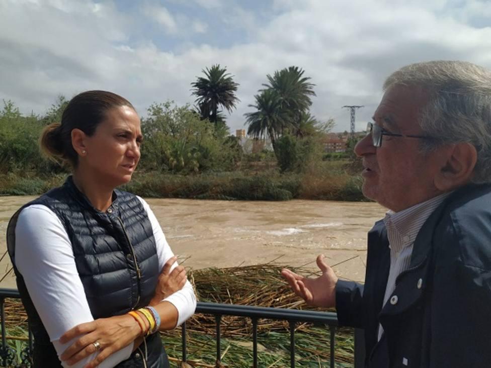 Alberto Castillo, presidente de la Asamblea Regional, junto a la alcaldesa de Archena, Patricia Fernández