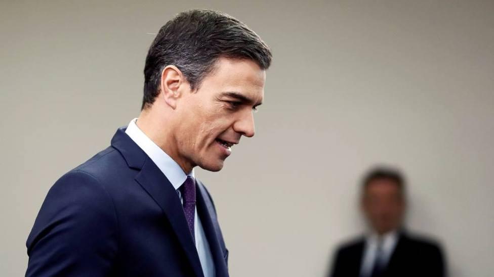 Sánchez enmienda errores de Rajoy ante una escalada de tensión en Cataluña