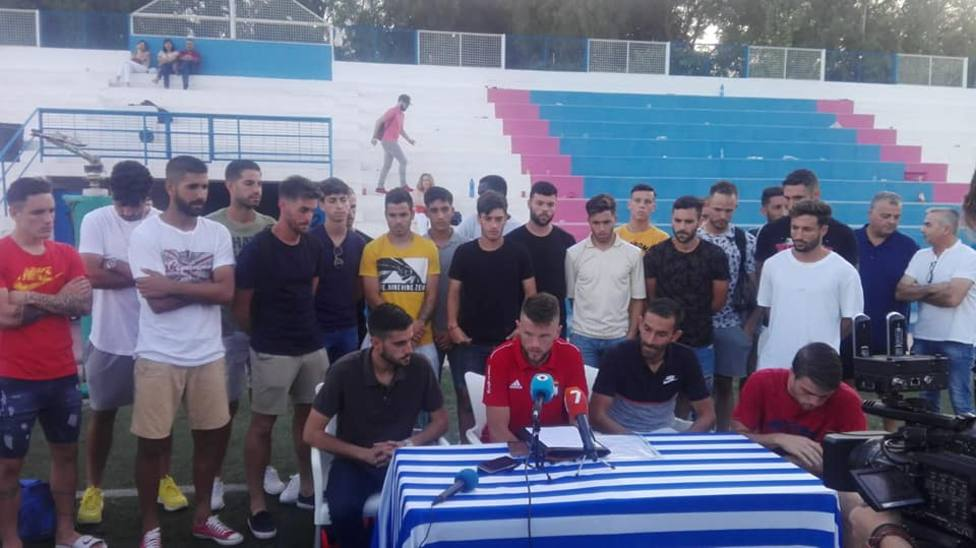 La plantilla del CF Lorca Deportiva pide ayuda, el club está secuestrado