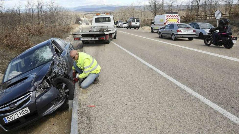 Muere una joven de 22 años en una colisión frontal de dos turismos en Huelva