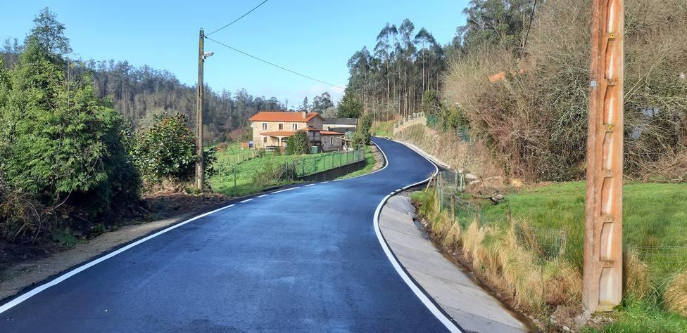 Estado de un tramo del Camiño de Ameneiro, en Fene, tras las obras